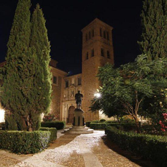 Plaza de San Román de Toledo por la noche